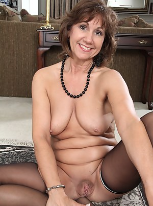 Old Pussy Porn Pictures